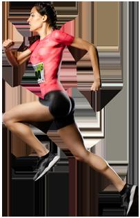 Runner saltando con dorsal en el pecho